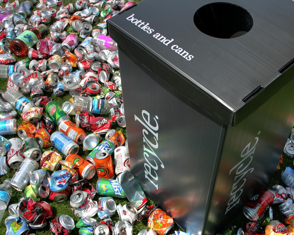 Reciclarea deseurilor cu produse de la UtilPro